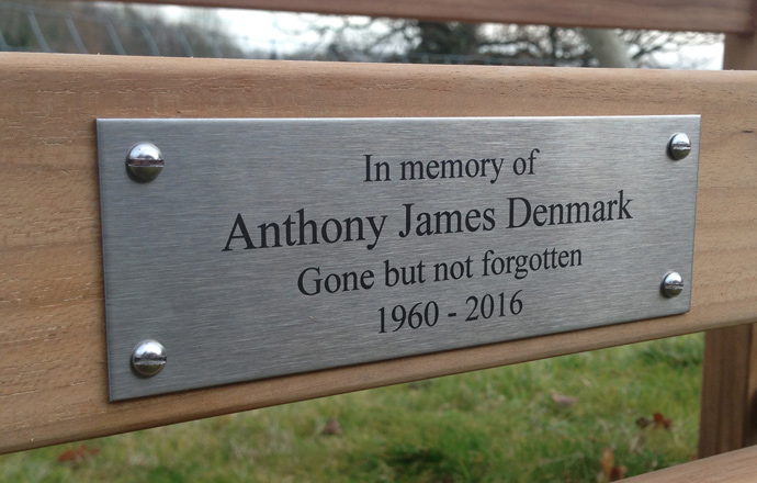 engraved-stainless-steel-metal-plaques